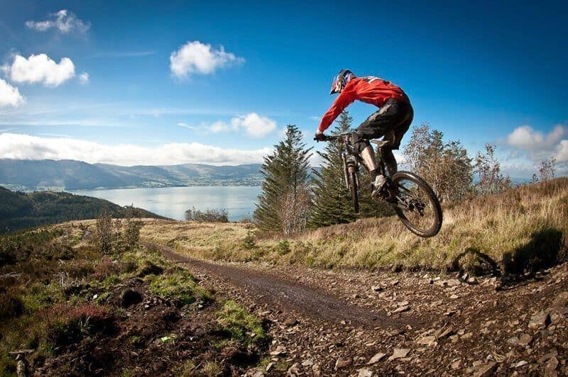 How to choose best mountain bikes under 300
