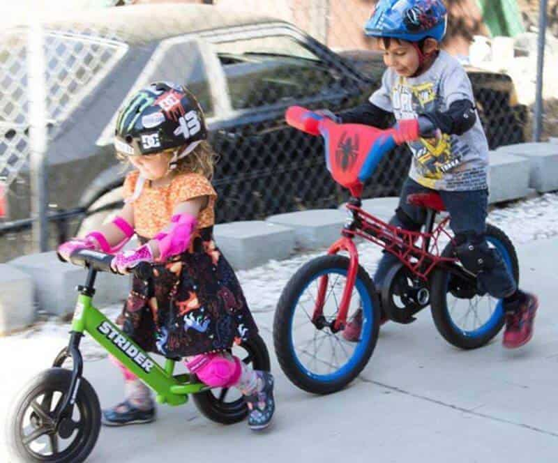Parents can remove pedals to make a balance bike for kids