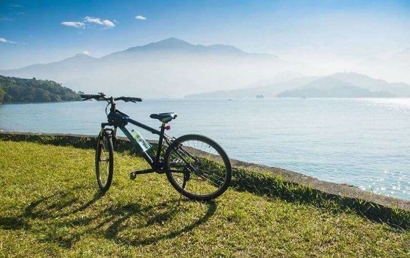 Which is better mountain bikes or hybrid bikes