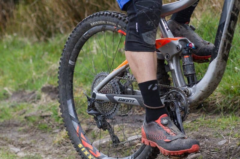 How to choose the right biking shoes